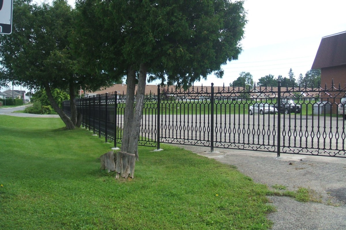 Ottawa Landscaping And Cast Iron Fencing Nature 180 S Right Hand